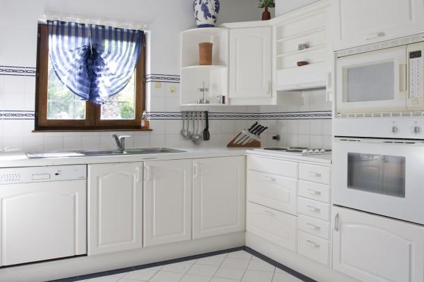 Klasszikus fehér konyha