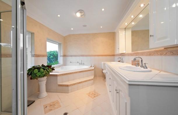 Klasszikus pasztell fürdőszoba