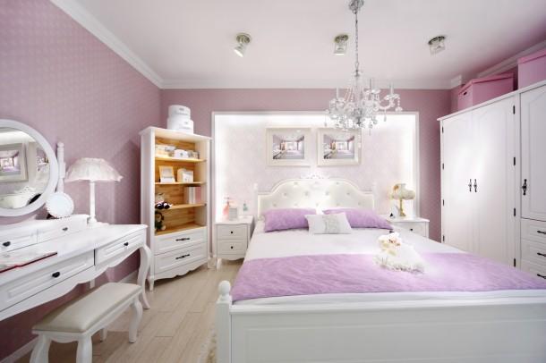 Nőies fehér hálószoba