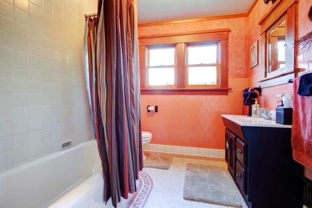 Nőies élénk fürdőszoba