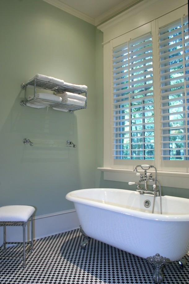 Retro fehér fürdőszoba