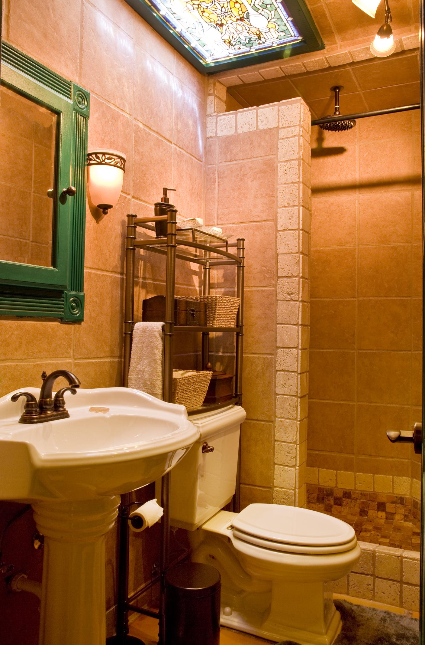 Fundamenta – Otthonok és megoldások Rusztikus élénk fürdőszoba - Fundamenta - Otthonok és megoldások