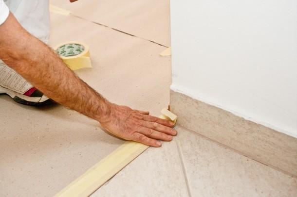Falfestés előtt papírszalaggal ragaszd le a küszöböket!
