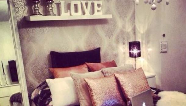 Szerelmes dekorációk a hálószobában