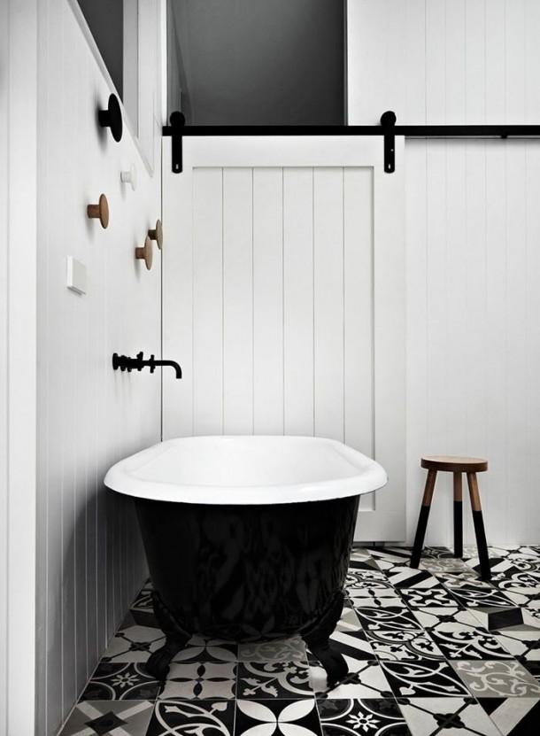 Retro fekete fürdőszoba