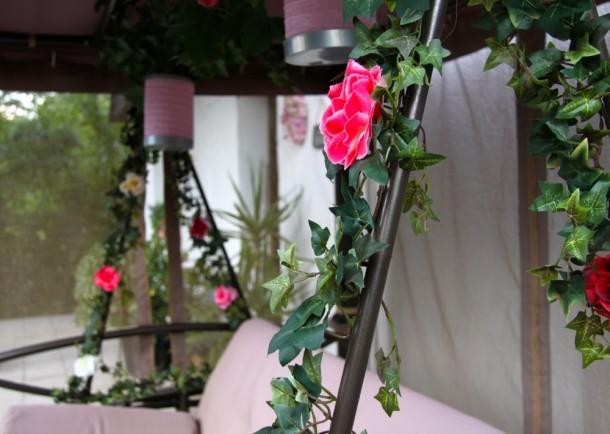 Csipkerózsika álma: rózsás hintaágy