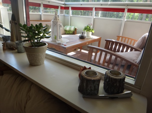 A széles ablakpárkányokon jól elférnek a dísztárgyak