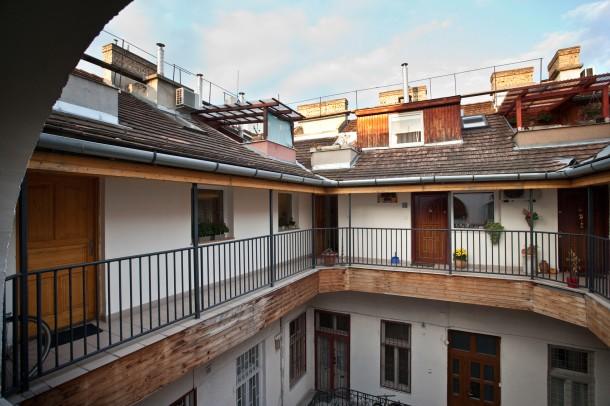 Élet a tetőn