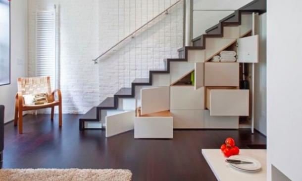 A lépcső alatti tér számtalan lehetőséget rejt
