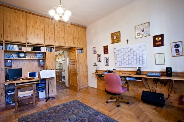 Dolgozószoba beépített szekrényekkel