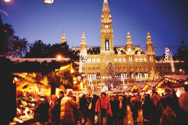 Rengetegen látogatnak Bécsbe advent idején