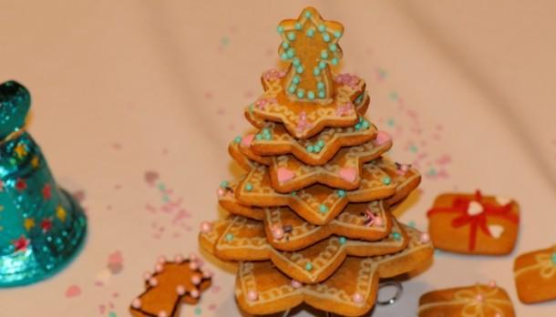 Készíts mézeskalács karácsonyfát!