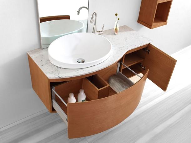 Falra szerelhető mosdó, sok tárhellyel