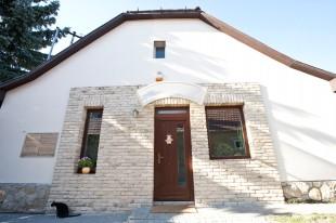 Kulcsrakészen vásárolt csodásan felújított idős ház