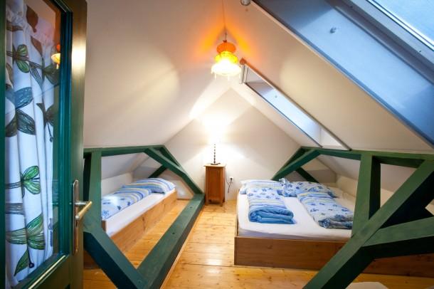 Tetőtéri szoba nem csak hobbitoknak