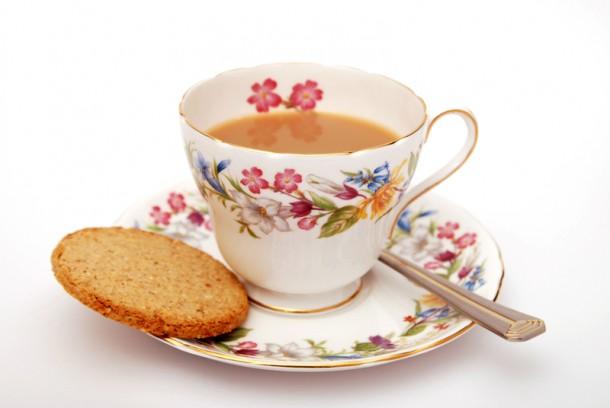 Angol teát csak porceláncsészében!