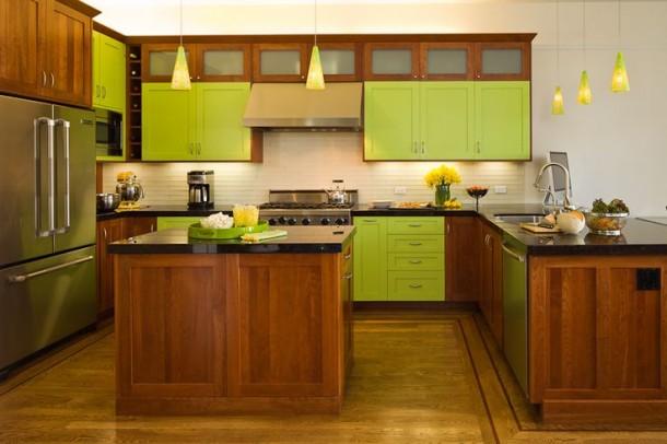 Zöld szín és fabútorok a konyhában