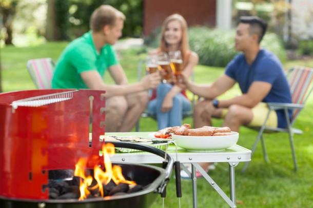A kerti partik elengedhetetlen kelléke a grill