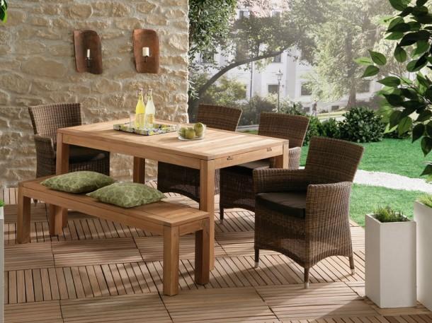 Praktikus megoldás: esőbiztos kerti bútorok
