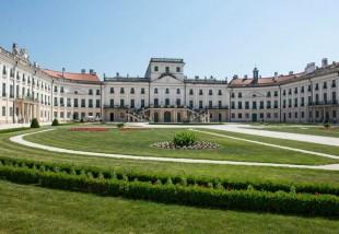 Megújult az Eszterházy-kastély parkja