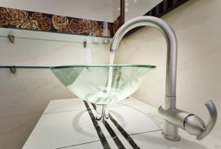 Szemet gyönyörködtető példa az üvegmosdóra