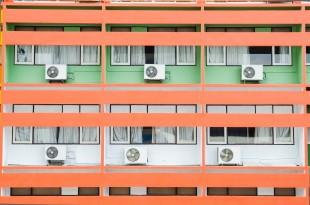 Így viseld el a lakótelepet nyáron - a hőség mérséklése (légkondival)