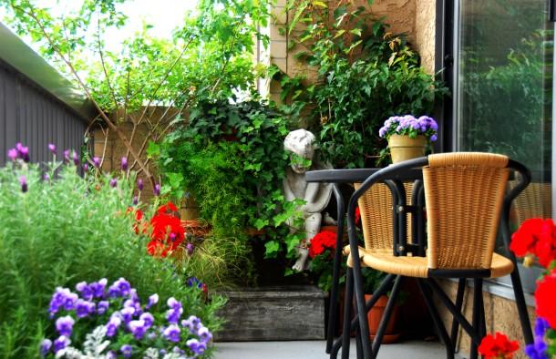 12 zseniális ötlet, hogyan legyen pici erkélyedből álmaid erkélye