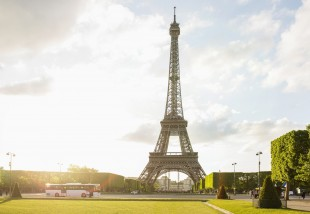 Titkos lakás az Eiffel toronyban - innen a legszebb a kilátás!