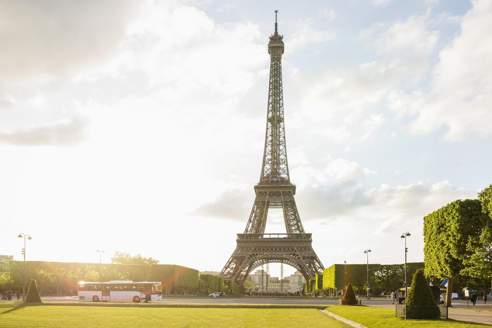 Titkos lakás az Eiffel toronyban - innen a legszebb a ...