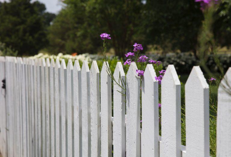 5 stílusos megoldás arra, hogyan ne lásson be senki a kertedbe