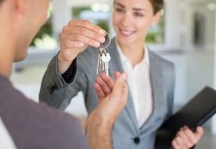 A nagy kérdés: ingatlanossal vagy nélküle?