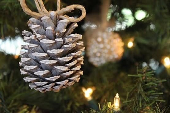 Ötletes és olcsó karácsonyi dekorációk tobozból