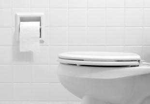 Panel WC ötletek - 9 tipp csúnya pici panel WC felújításához