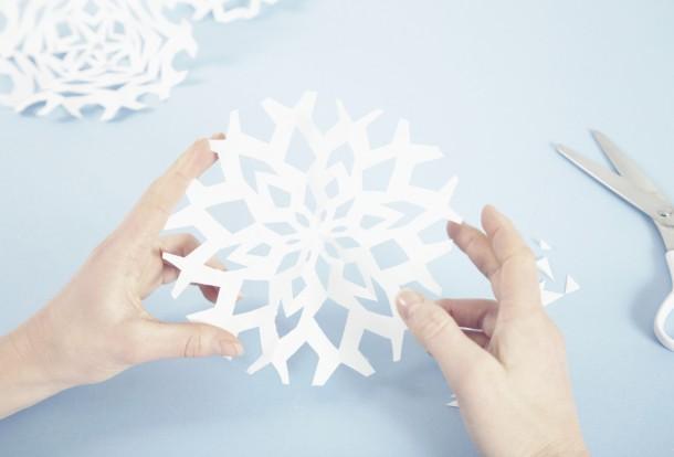 Hópehely papírból – 7 ingyenes hópehely sablon