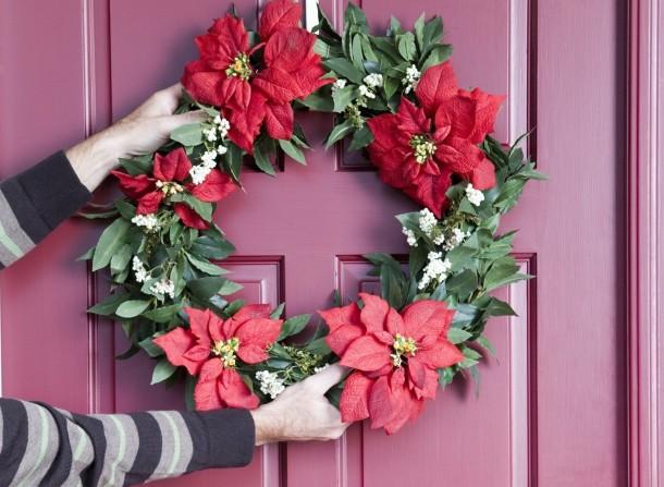 Ötletes és mutatós karácsonyi ajtódíszek házilag