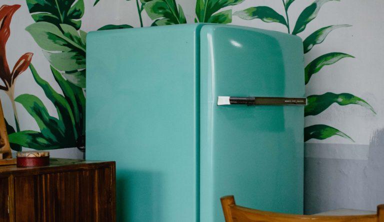 Hűtő festése házilag – Megmutatjuk, hogyan csináld!