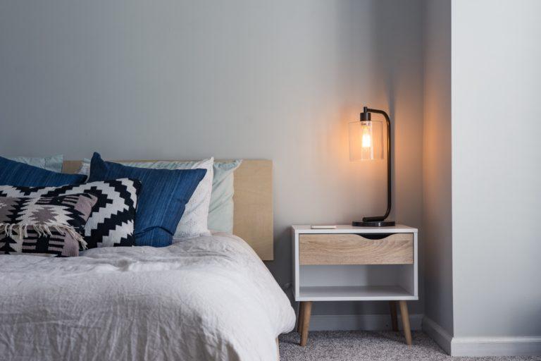 8 hálószobai kiegészítő, amit muszáj beszerezned – a te érdekedben!