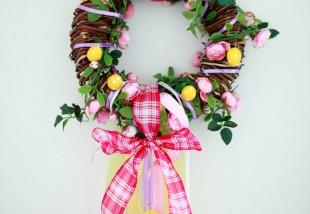 Húsvéti ajtódísz készítése házilag