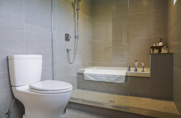 10 dolog, amit elfelejtünk kitakarítani a fürdőszobában