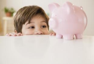 10 tipp, hogyan neveld otthonodban takarékoskodásra gyermekedet