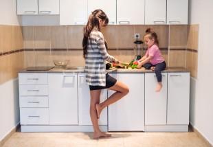 7 trükk, aminek köszönhetően még jobban fogod szeretni pici konyhádat