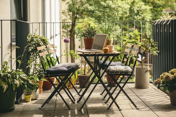 Milyen erkély bútort válasszunk? 7 hasznos tanács!
