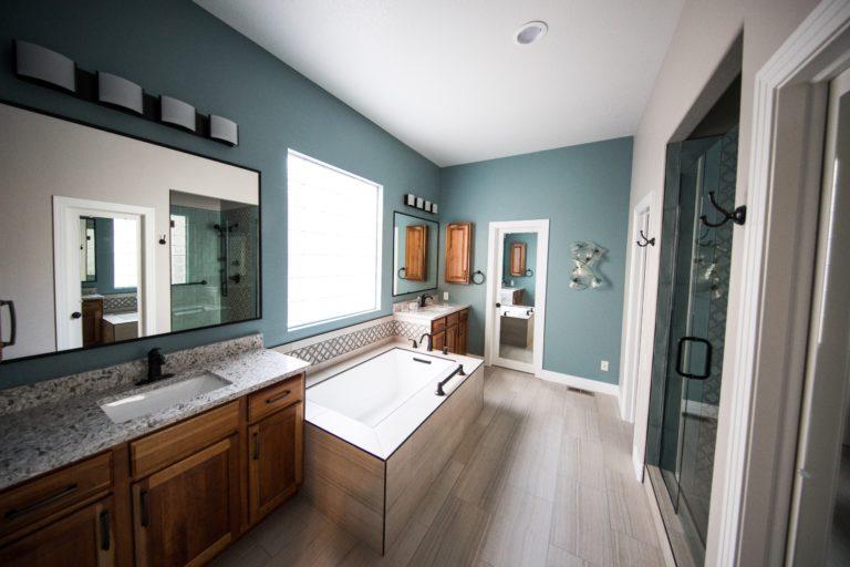 7 szín, ami sokkal jobban mutatna a fürdőszobában, mint elsőre gondolod