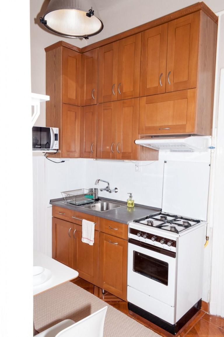 37 nm-es felújított lakás Budapesten - Döbbenetes előtte-utána képek!