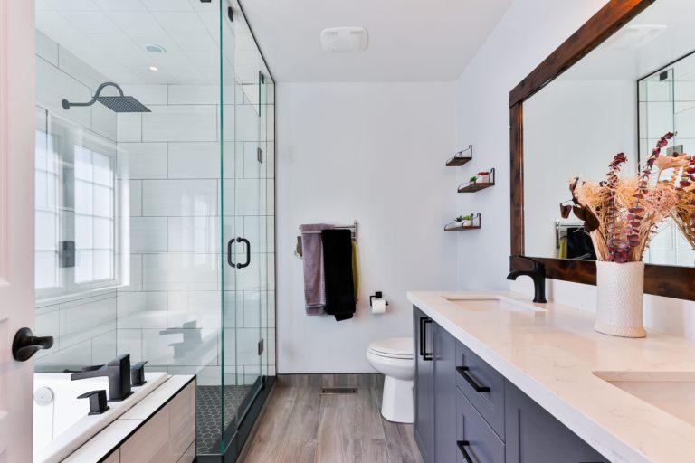 Minden idők 5 legjobb dekorációs ötlete kis fürdőszobába