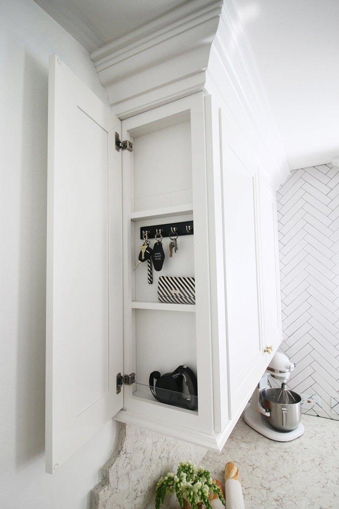 kulcsos szekrény