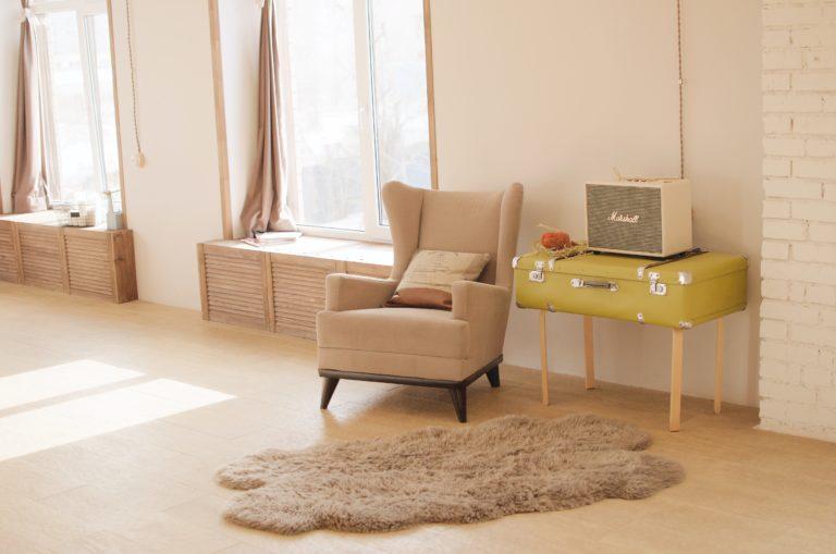 8 dolog, amire egy stílusos nőnek szüksége van a lakásában