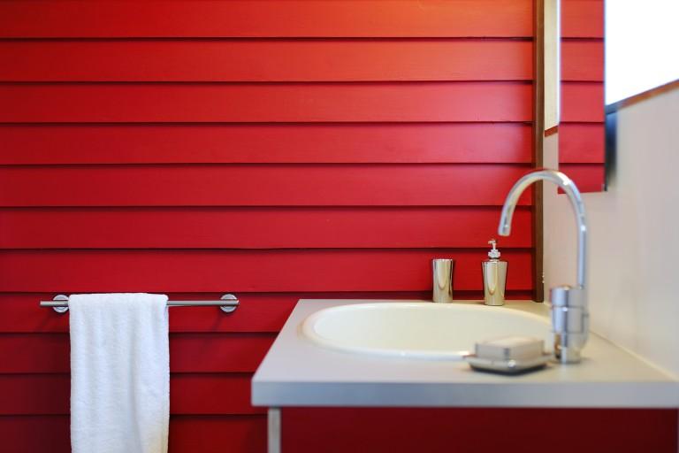 10 fürdőszoba, aminek megálmodásakor nem féltek a színektől