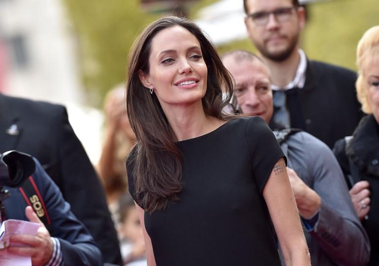 Ide bújt Angelina Jolie gyermekeivel a világ elől