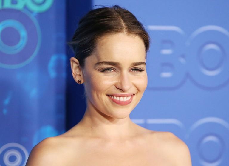 Itt él Emilia Clarke! A Trónok harca sztárjának új luxusotthonát látnod kell!